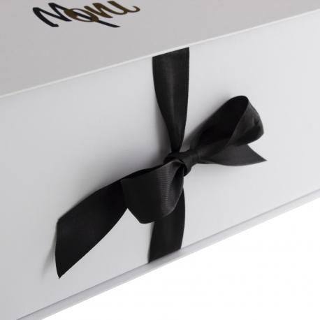 Ribbon Seal Boxes with Gold Foil Ref Moni