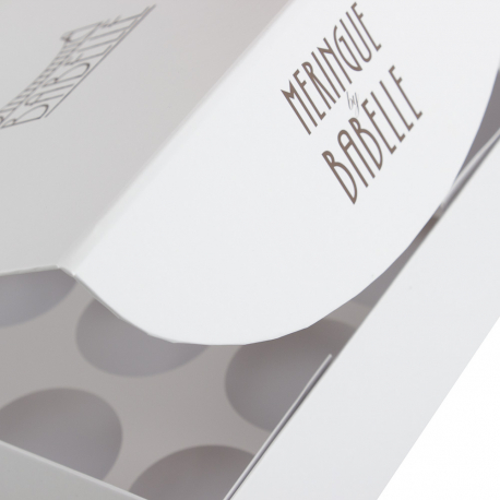 Printed Luxury Magnetic Close Cake Boxes with Spot UV Ref. Babelle